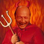 Diavolul privește stramb